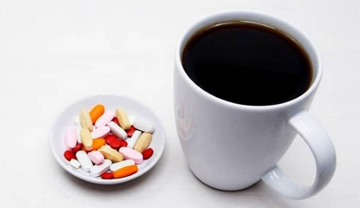 таблетки и кофе